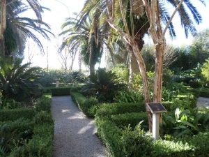 The beautifully manicured gardens at Laura: A Creole Plantation (New Orleans)
